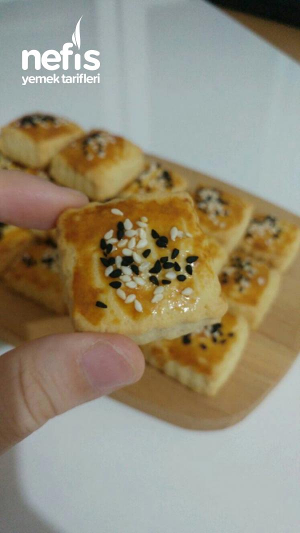Kıyır Kıyır Pastane Usulü Tuzlu Kurabiye