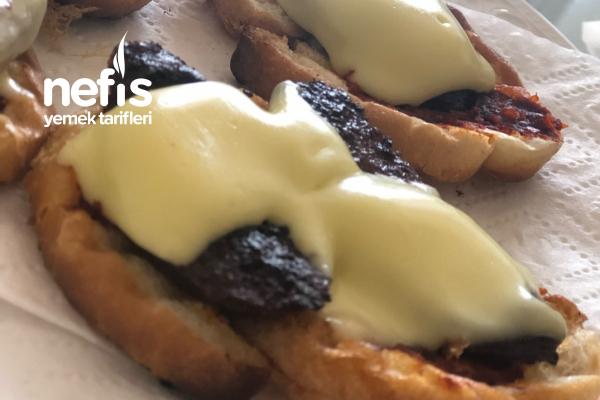 Pizza: Kalan Ekmek Dilimleri İle Tarifi