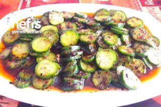 Lokanta Usulü Salatalık Salatası (Lezzeti Anlatılmaz) Tarifi