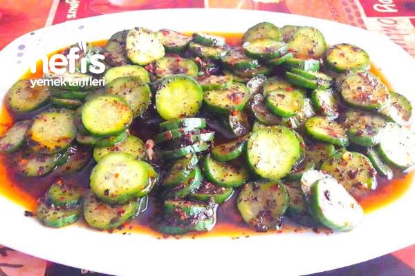 Lokanta Usulü Salatalık Salatası (Lezzeti Anlatılmaz)