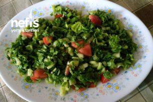 Yemeklerin Yanında Pratik Salata Tarifi