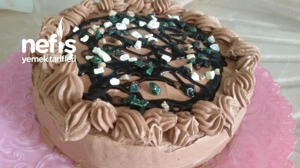 Düşük Maliyetli Kutlama Pastası