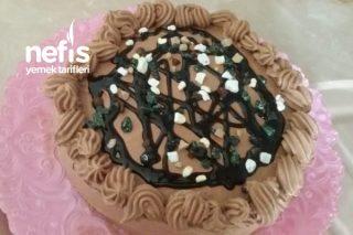 Düşük Maliyetli Kutlama Pastası Tarifi
