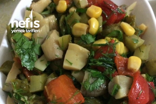 Dereotlu Mantarlı Salata Tarifi
