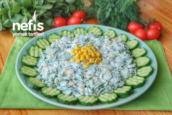 Serinletici Yaz Salatası (videolu) Tarifi