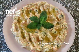 Havuçlu Tavuk Salatası Tarifi