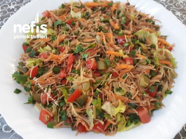 Saçaklı Salata Tarifi