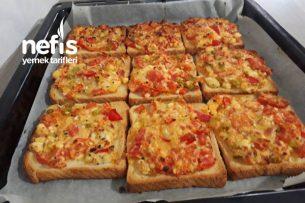 Kahvaltılık Minik Pizzalar (Videolu) Tarifi