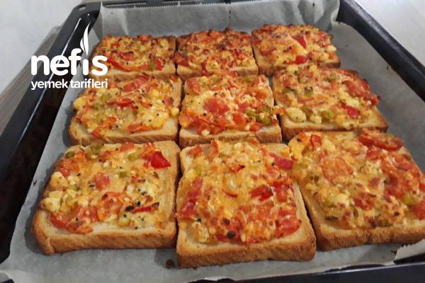 Kahvaltılık Minik Pizzalar (Videolu)