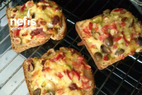 Çok Tahıllı Ekmekle Kahvaltılık Diyet Pizza Tarifi