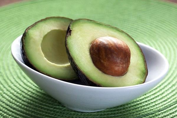 avokado nasıl yetiştirilir evde