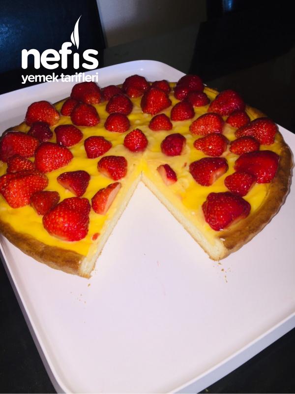 Çilekli Pudingli Pasta