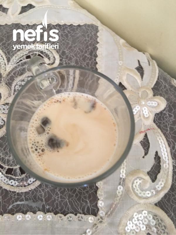 En Basit Buzlu Kahve! { The Easiest Iced Coffee}
