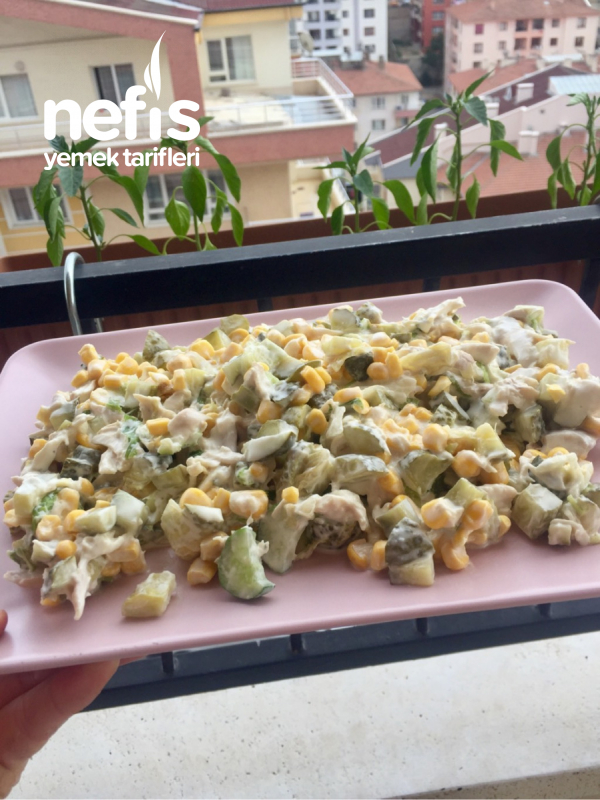 Tavuklu Göbek Salatası