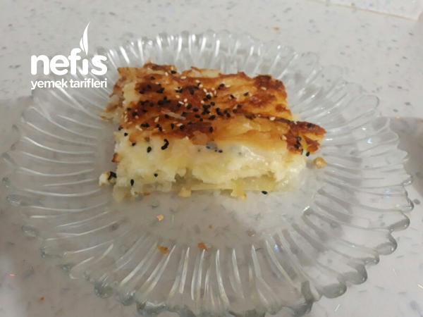 Pileli Börek (Nefis mi Nefis aynı tepside iki çeşit börek)