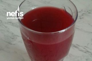 Şifa Kaynağı Karaduttan Meyve Suyu Tarifi