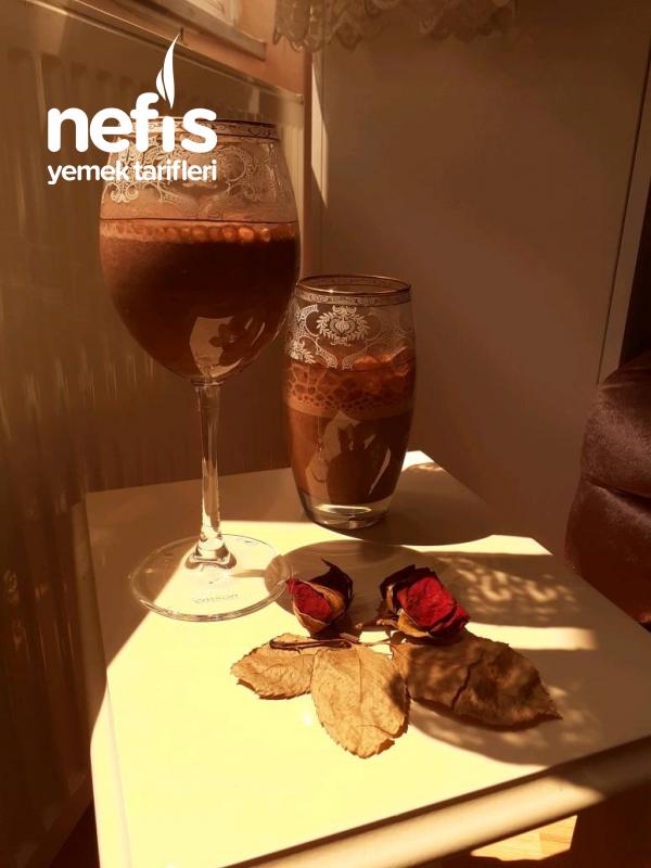 Muzlu Çikolatali Sütlü içecek  ( lıkır lıkır içilir )