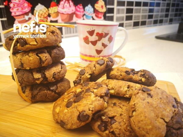 Starbuck Kurabiye Tarifi – Ebruli İki Renk Çikolatalı Kurabiye