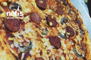 Kaşar Peyniri Kenarlı Pizza Tarifi