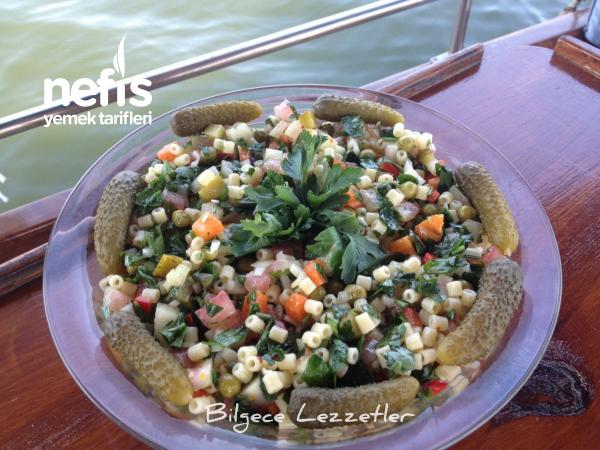 Karpuzlu Yaz Salatası Tarifi