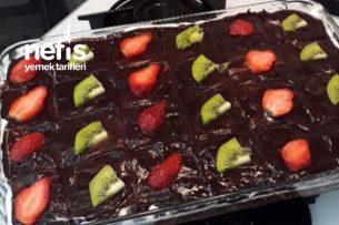 Kesinlikle Denenmesi Gereken Çikolata Soslu Hafif Tatlım Tarifi