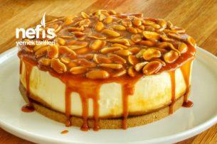 Snickers Cheesecake (Fırında Pişmeyen Tarif) Tarifi