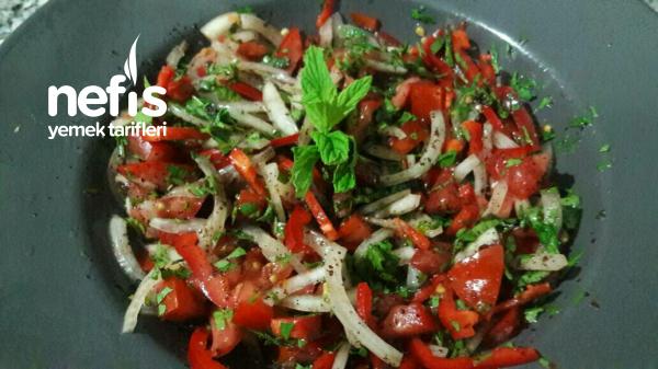 Tezgah Kebapçısı Salatası