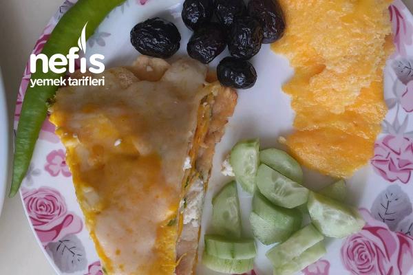 3 Peynirli Enfes Krep Pastası (Favoriniz Olacak) Tarifi