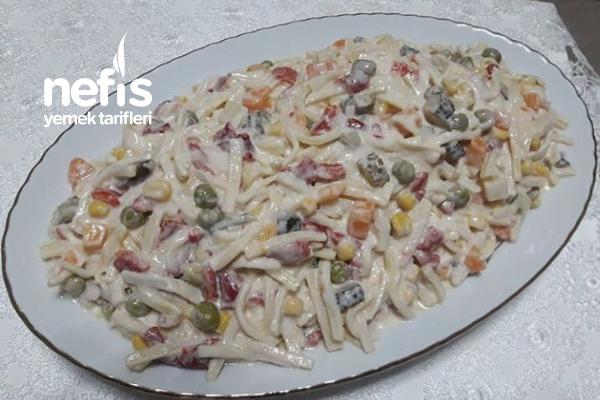 Garnitürlü Erişte Salatası Tarifi