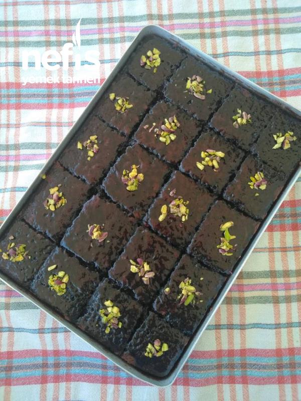 Kara Kız Pastası (Double Soslu Islak Kek)