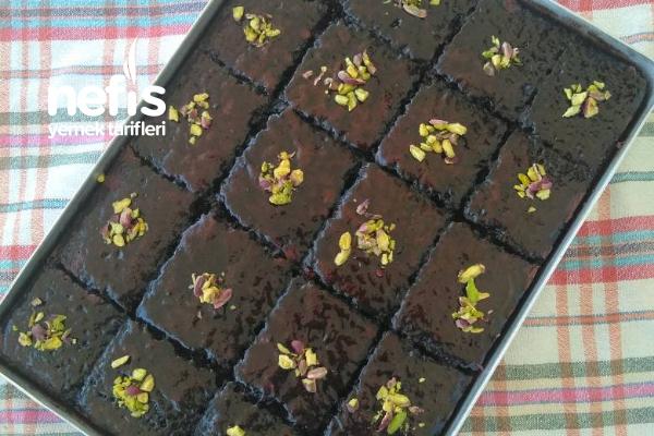 Kara Kız Pastası (Double Soslu Islak Kek) Tarifi