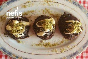 Çikolatalı Ve Fındıklı Helva ( Islak Kurabiye Lezzetinde Muhteşem Bir Tat ) Tarifi