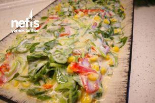 Semizotu Salatası Tarifi Kırmızı Biberli Mısırlı Semizotu Salatası (Videolu)