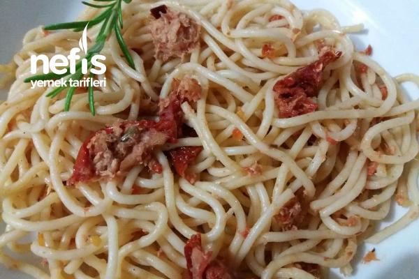 Ton Balıklı Spaghetti-Kuru Domates Ve Taze Biberiyeli Tarifi