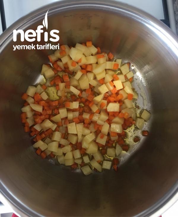Garnitürüyle Pişen Makarna Salatası
