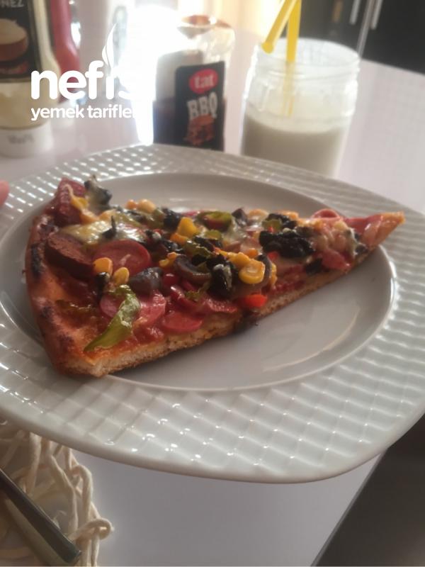 Karışık Bol Malzemos Pizza