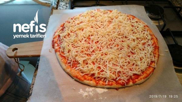 Pastırmalı Sucuklu Pizza  (Pizza Taşında)
