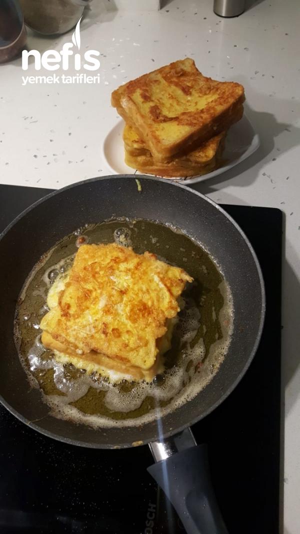 Yumurtalı Sucuklu Kaşarlı Tost