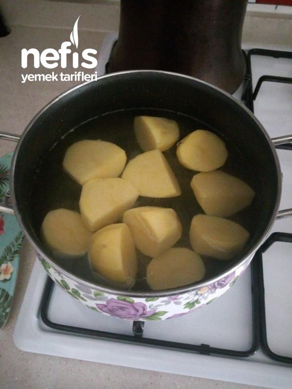 Patates Ve Peynirli Gül Böreği