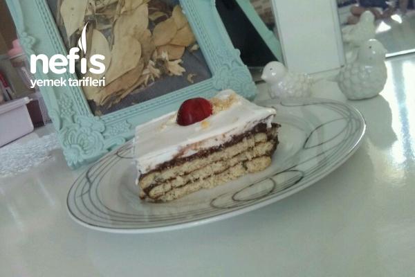 Bisküvili Pasta (Anne Pastası ) Tarifi