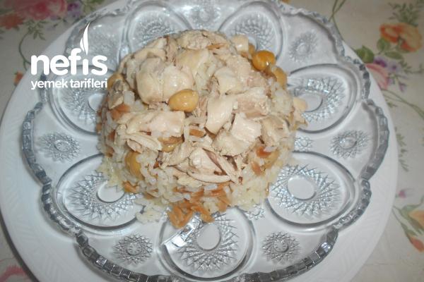 Tavuklu Nohutlu Arpa Şehriyeli Pirinç Pilavı Tarifi