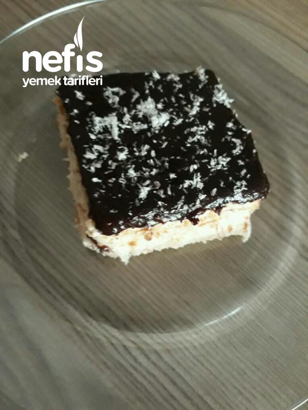 Çikolata Soslu Hafif Tatli
