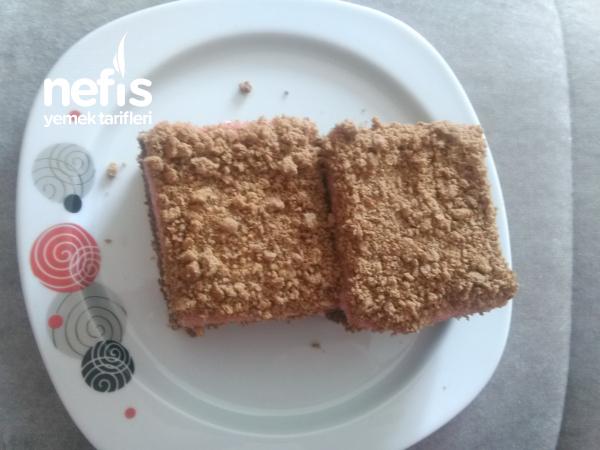 Çilekli Kumlu Pasta (Mutlaka Deneyin)