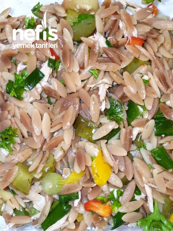 Tavuklu Şehriye Salatası