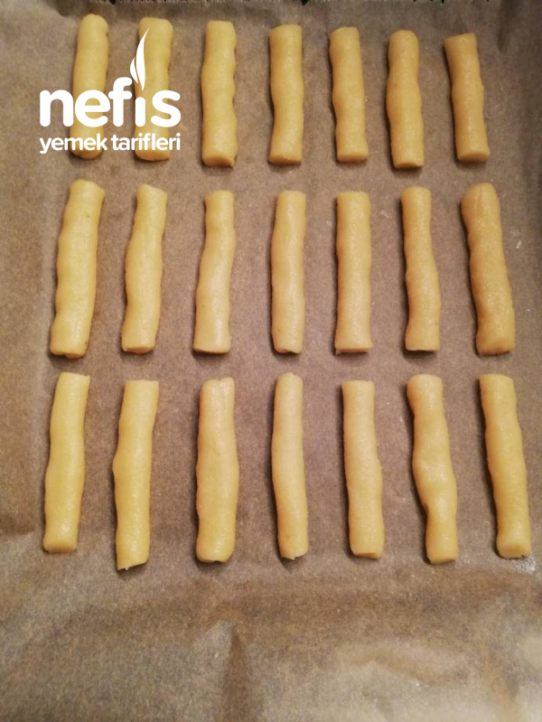 Margarinsiz (agizda Dağılan) Tuzlu Kurabiye