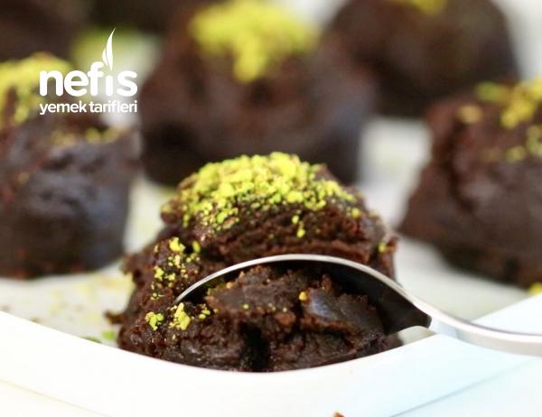 Brownie Tadında Kakaolu Un Helvası