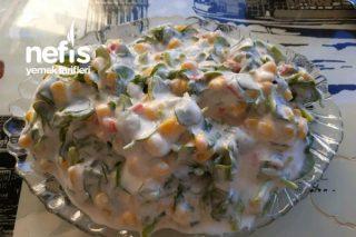 Serinletici Yaz Salatası (Yoğurtlu Semizotu) Tarifi