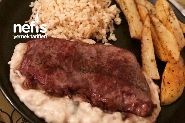 Patlıcan Yatağında Biftek Tarifi