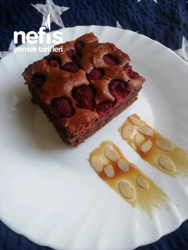 Frambuaz Ve Çikolatalı Kek