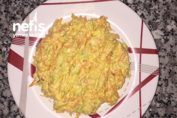 Lezziz Kabaklı Havuçlu Salata Tarifi